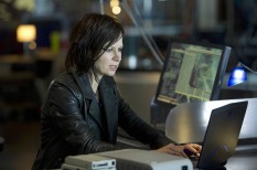 Mary-Lynn-Rajskub-Chloe-OBrian-computer-24-Live-Another-Day-Episode-7-1024x681